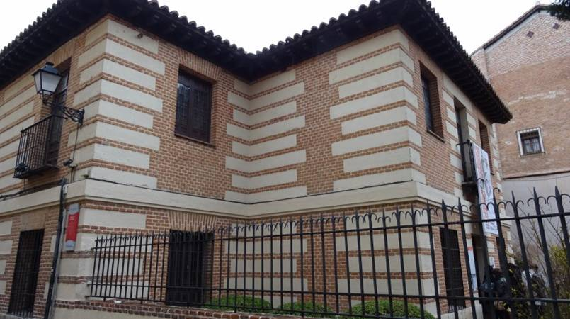 Alcala de henares casa museo cervantes ppsmil com - Casas regionales alcala de henares ...